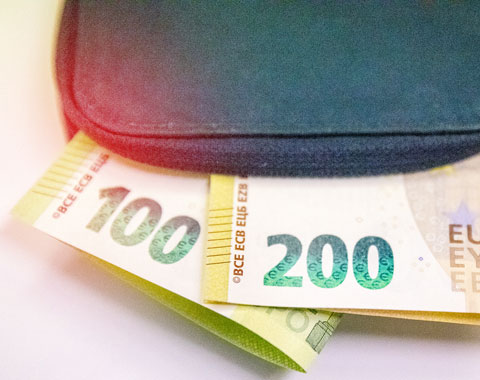 Das Sind Die Neuen 100 Und 200 Euro Scheine S Magazin