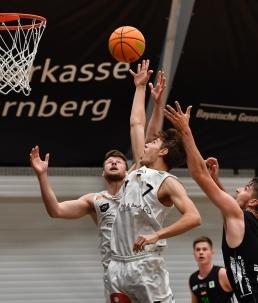NUEbasketball trägt Früchte: Christian Feneberg bei seinem ProA Debüt im Herbst 2020.